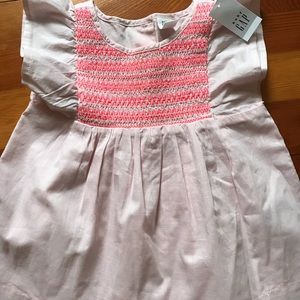 Baby Gap smocked Tunic flutter top pink 4T